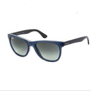 RayBan Unisex highstreet sunglasses blue Italy